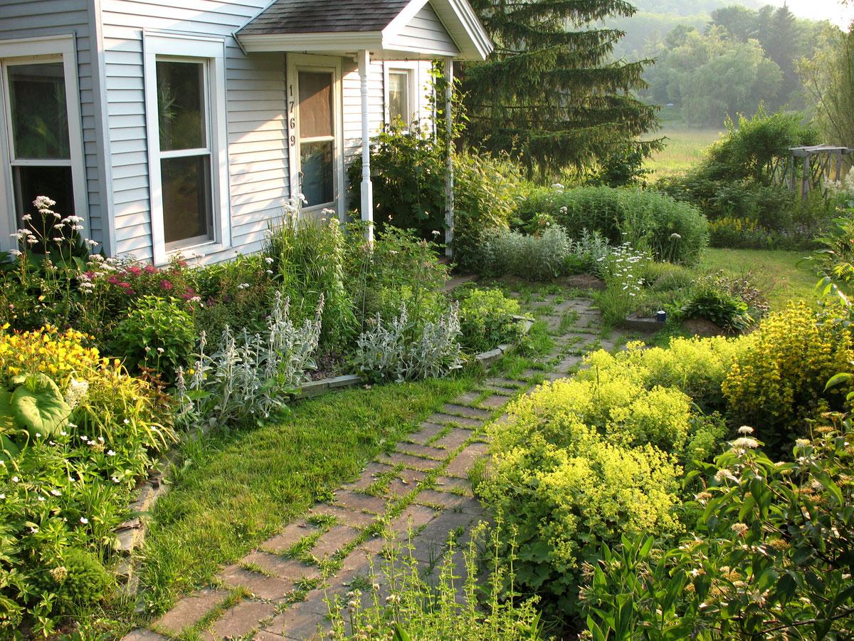 как роблагоустроить двеи сотки сада для детей